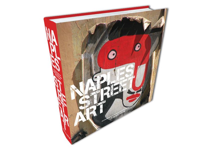 """Bogomslag: Naples Street Art. 20 x 20 cm. Egne fotos taget i Napoli. Egen opgave lavet som projekt """"En opgave - en dag"""" på eget initiativ. Grafisk design, foto og ide: Nanna Berentzen Østergaard."""